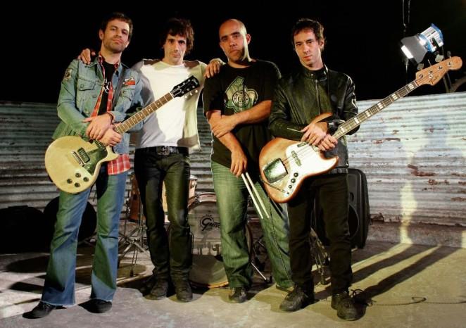 thumbnail_guasones-rock-argentino-foto2