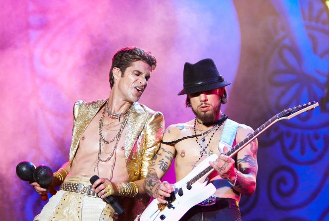perry_farrell_and_dave_navarro_of_janes_addiction01_website_image_npuo_standard